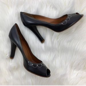 Marc Jacobs Black Scallop Heels 4""